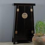 detail-black-shiny-cabinet