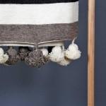 detail-pom-blanket