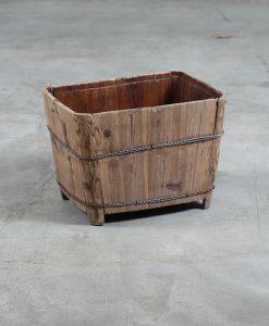 wooden-urn