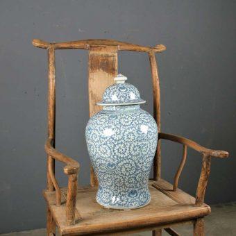 jar-blue-white-porcelain